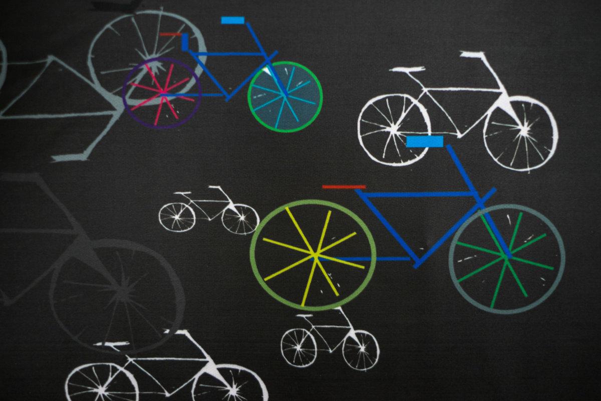Garroku lacīte: Resting cyclist