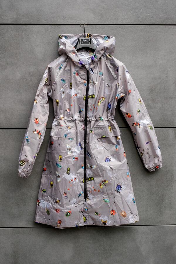 Rain coat with a poach